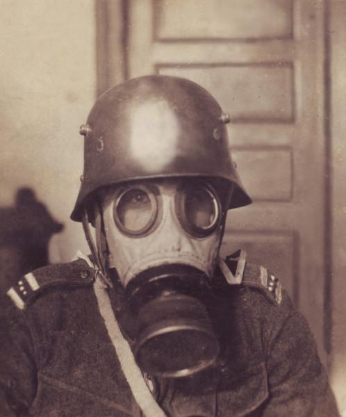 Přilba vz 20 s plynovou maskou